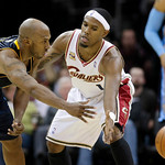 Denver Nuggets guard Chauncey Billups, left, passes the ball past Cleveland Cavaliers guard Daniel Gibson in the third quarter in an NBA basketball game Thursday, Feb. 18, 2010, in Cleveland …