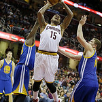 Cleveland Cavaliers' Marreese Speights (15) shoots against the Golden State Warriors in an NBA basketball game Tuesday, Jan. 29, 2013, in Cleveland. (AP Photo/Mark Duncan)