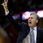 New York Knicks head coach Mike D'Antoni yells to teammates during the third quarter in an NBA basketball game against the Cleveland Cavaliers Monday, March 1, 2010, in Cleveland. The Cavali …