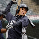 New York Yankees' Ichiro Suzuki warms up for batting practice before a baseball game against the Cleveland Indians Monday, April 8, 2013, in Cleveland. (AP Photo/Mark Duncan)