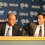 Cleveland Indians general manager Chris Antonetti, right, listens to new manager Terry Francona during a news conference at Progressive Field Monday, Oct. 8, 2012 in Cleveland. (AP Photo/Dav …