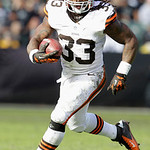 Cleveland Browns running back Trent Richardson (33) runs against the Oakland Raiders during the first half of an NFL football game in Oakland, Calif., Sunday, Dec. 2, 2012. (AP Photo/Tony Av …