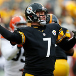 Pittsburgh Steelers quarterback Ben Roethlisberger (7) throws a pass during the third quarter of an NFL football game against the Cleveland Browns in Pittsburgh, Sunday, Dec. 30, 2012. The S …