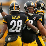 Pittsburgh Steelers cornerback Cortez Allen (28) celebrates with teammate Pittsburgh Steelers nose tackle Casey Hampton (98) after recovering a fumble by Cleveland Browns wide receiver Travi …