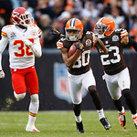 Cleveland Browns wide receiver Travis Benjamin (80) returns a punt 93 yards for a touchdown against the Kansas City Chiefs in the second quarter of an NFL football game in Cleveland, Sunday, …