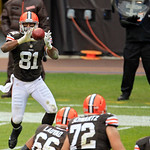 Cleveland Browns tight end Alex Smith (81) catches a short pass against the Baltimore Ravens in the second quarter of an NFL football game Sunday, Nov. 4, 2012, in Cleveland. (AP Photo/Tony  …