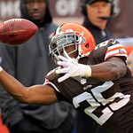 Cleveland Browns running back Chris Ogbonnaya (25) can't hang on to a pass against the Baltimore Ravens in the first quarter of an NFL football game Sunday, Nov. 4, 2012, in Cleveland. (AP P …