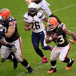 Cleveland Browns running back Trent Richardson (33) runs the ball against the San Diego Chargers in an NFL football game Sunday, Oct. 28, 2012, in Cleveland. (AP Photo/Tony Dejak)