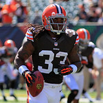 Cleveland Browns running back Trent Richardson warms up prior to an NFL football game against the Cincinnati Bengals, Sunday, Sept. 16, 2012, in Cincinnati. (AP Photo/David Kohl)