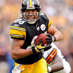 Pittsburgh Steelers wide receiver Hines Ward (86) scores a 56-yard touchdown against the Cleveland Browns during the second quarter of an NFL football game Sunday, Oct. 18, 2009. (AP Photo/D …