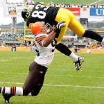 Pittsburgh Steelers tight end Heath Miller (83) scores a touchdown as Cleveland Browns linebacker David Bowens defends during the second quarter of an NFL football game Sunday, Oct. 18, 2009 …