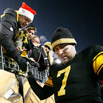 Pittsburgh Steelers quarterback Ben Roethlisberger limps down the steps to the locker room after a 14-3 win over the  Cleveland Browns in an NFL football game in Pittsburgh, Thursday, Dec. 8 …
