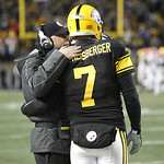 Pittsburgh Steelers quarterback Ben Roethlisberger (7) talks with offensive coordinator Bruce Arians on the sidelines after completing a pass to wide receiver Antonio Brown (84) for a touchd …