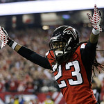 Atlanta Falcons' Dunta Robinson celebrates after stripping the ball from San Francisco 49ers' Michael Crabtree during the second half of the NFL football NFC Championship game Sunday, Jan. 2 …