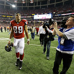Atlanta Falcons' Tony Gonzalez walks off the field after being defeated by the San Francisco 49ers in the NFL football NFC Championship game Sunday, Jan. 20, 2013, in Atlanta. The 49ers won  …